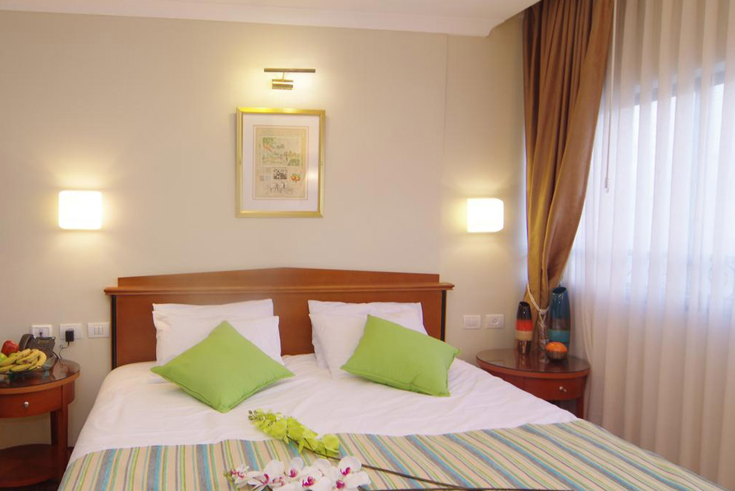 Economy Rooms - Rimonim City Center